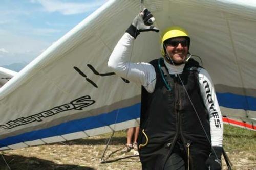 Аттила Берток научился летать в 1981 году и является очень грозным соперником